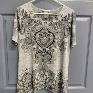 Tops - Gently worn short sleeve size small
